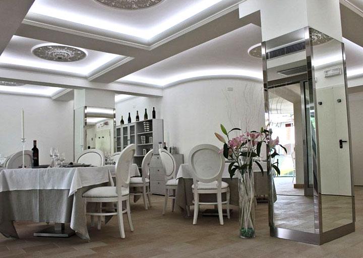 Cornici in polistirolo roma per pareti e soffitti for Rivestimento pareti interne polistirolo